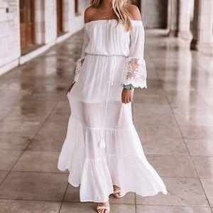 🌸SALE🌸 White Off The Shoulder Maxi Dress